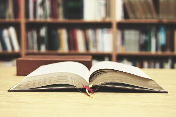 Saber quais conteúdos são mais recorrentes nas questões de literatura do Enem é fundamental para dinamizar seus estudos nessa área.