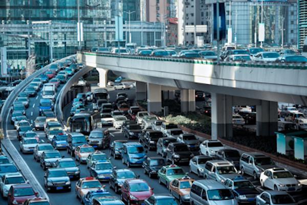 O congestionamento nas grandes cidades é um dos principais fatores da falta de mobilidade.