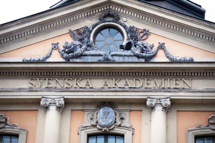 Academia Sueca, a instituição responsável pela nomeação do Nobel de Literatura.[3]