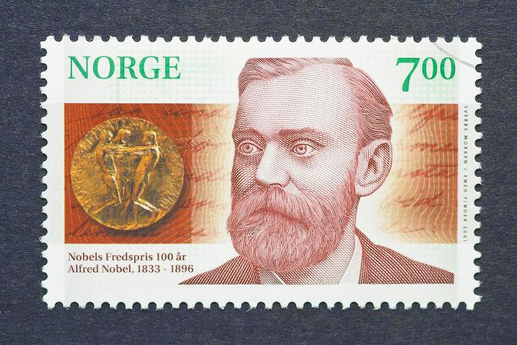 Alfred Nobel foi um inventor sueco que deixou sua fortuna para que o Prêmio Nobel fosse criado.[1]