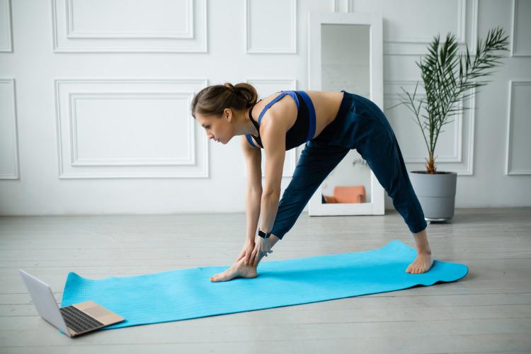 Praticar atividades físicas é importante para uma vida mais saudável.