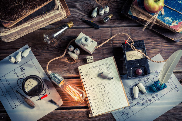 A eletricidade envolve diversos fenômenos e equipamentos usados no dia a dia.
