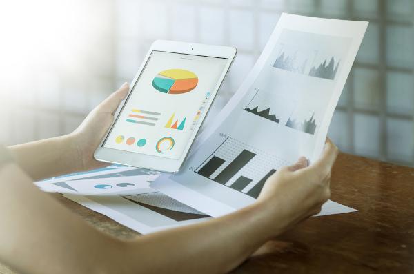 Estatística é a área da matemática que estuda e analisa dados.