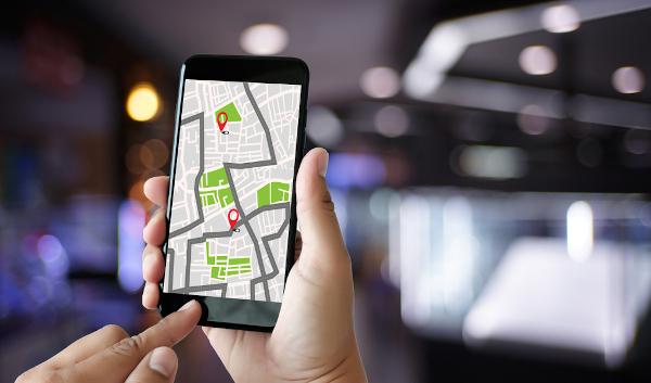 O GPS permite a localização exata de um ponto na superfície terrestre por meio da utilização das coordenadas geográficas.