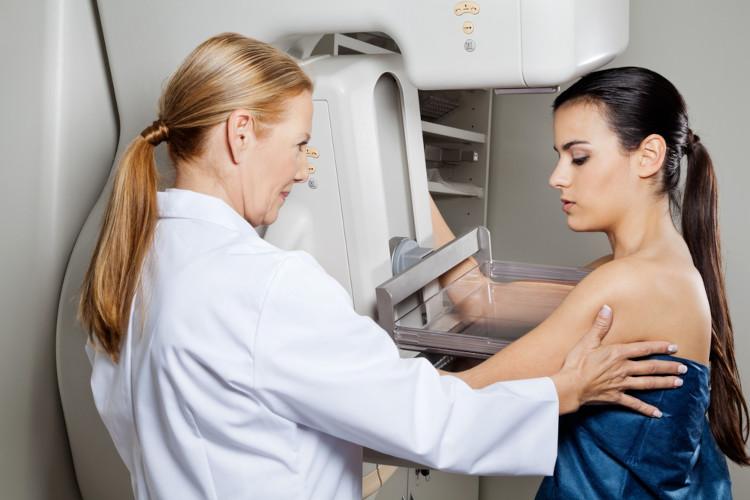 A mamografia é um dos exames realizados para o diagnóstico do câncer de mama.