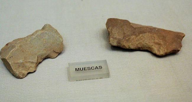 As pedras eram utilizadas pelos grupos humanos do Paleolítico. [1]
