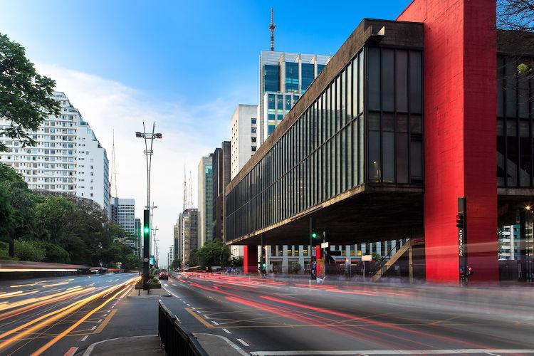 Todo município brasileiro, como São Paulo, possui eleições regulares para que a população escolha seu prefeito.