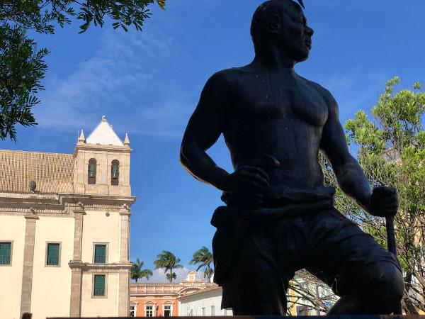 Zumbi dos Palmares é um dos símbolos do Dia Nacional da Consciência Negra no Brasil. [2]