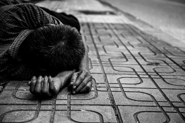 Atualmente mais de 713 milhões de pessoas vivem em condição de extrema pobreza no mundo.