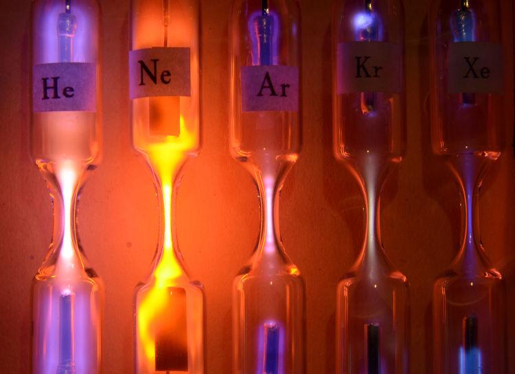 Gases reais comportam-se como gases ideais em condições de baixa pressão e alta temperatura.