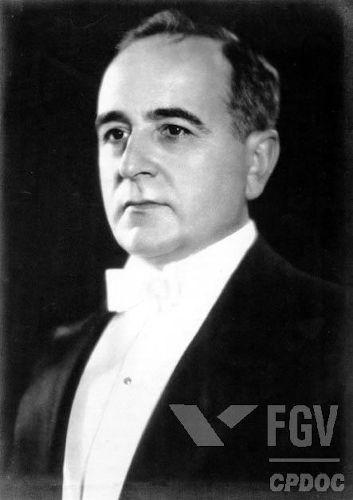 A Revolução de 1930 foi responsável por transformar o político gaúcho Getúlio Vargas em presidente do Brasil.[1]