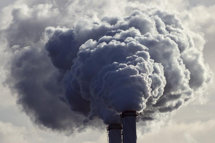 A poluição do ar é um problema que pode ter causas naturais ou ser provocado pelo ser humano.