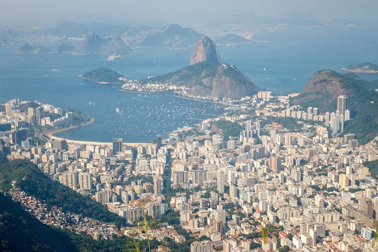 Foi no Rio de Janeiro que o samba urbano carioca surgiu, no começo do século XX.