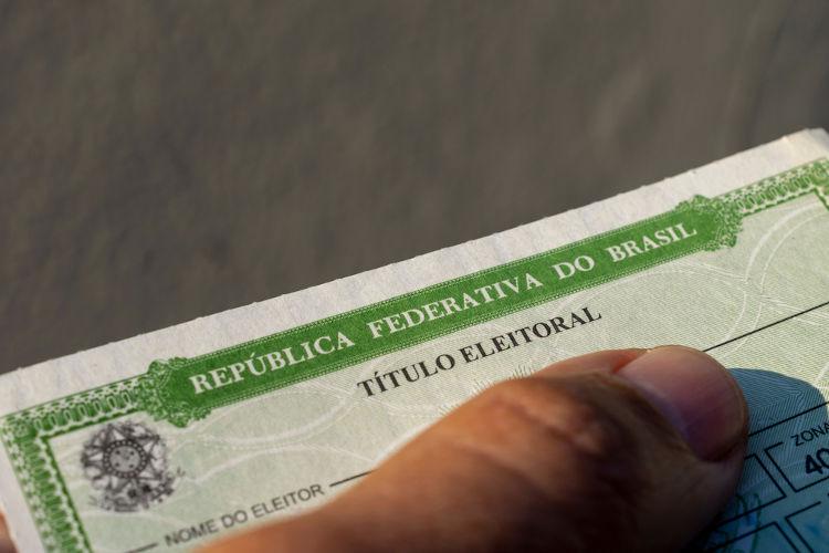 O Título de Eleitor é um documento fundamental no sistema eleitoral do Brasil.[2]