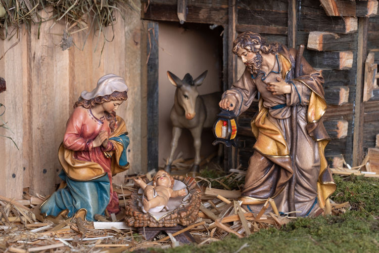 A prática de construir presépios foi instituída por São Francisco de Assis, no século XIII.