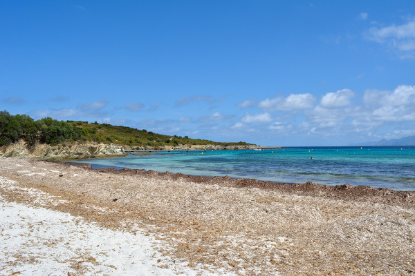 A ocorrência do verão favorece a realização de atividades de lazer, como o turismo em áreas ao ar livre.