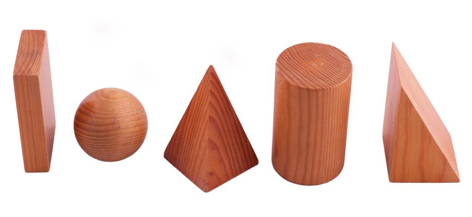 Os sólidos geométricos são objetos tridimensionais.