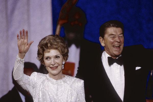 O casamento de Nancy Davis e Ronald Reagan durou mais de 50 anos, e dois filhos nasceram dessa união.[2]