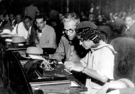 Almerinda Farias Gama foi a primeira mulher eleita deputada e participou da elaboração da Constituição de 1934. [1]
