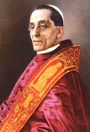 Em 1920, o Papa Bento XV celebrou no Vaticano a canonização de Joana D'Arc.