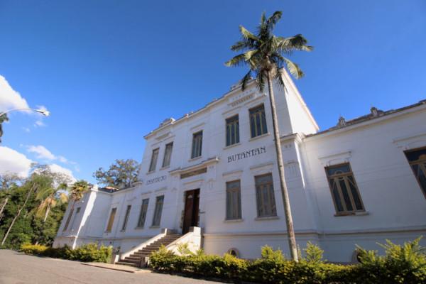 O Instituto Butantan foi fundado em 1901. [1]