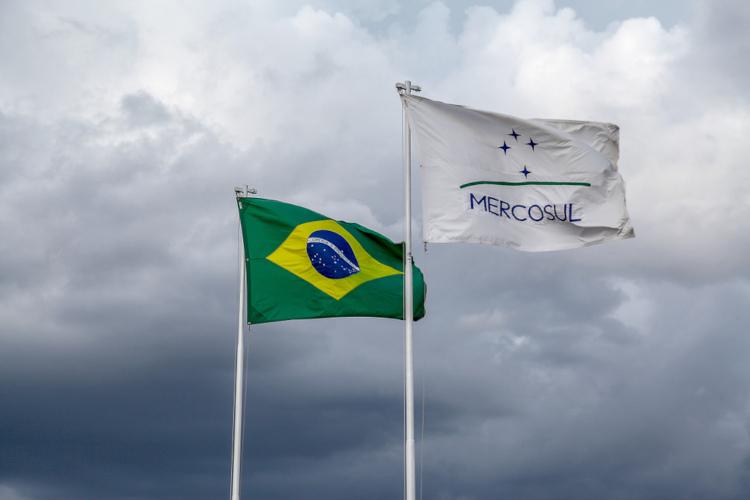 O Brasil é o principal membro do Mercosul, em razão da sua economia diversificada e do seu peso diplomático em nível mundial. [1]