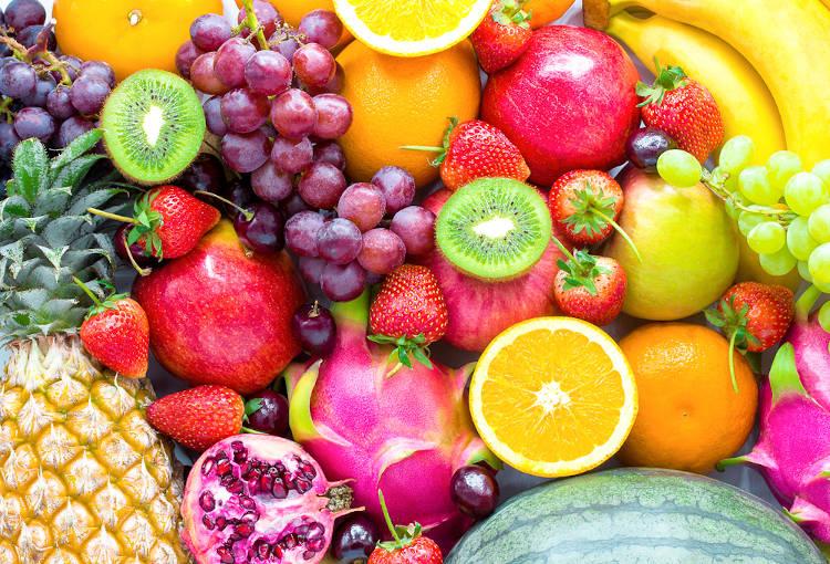 No Brasil, o outono é conhecido por ser a estação das frutas, já que é o melhor período de colheita de várias espécies frutíferas.