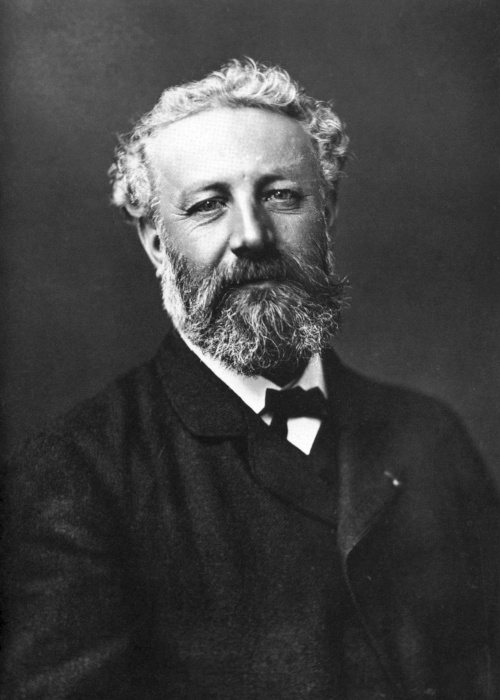 Júlio Verne, escritor extremamente criativo, fez a ciência e a tecnologia componentes essenciais em suas narrativas.