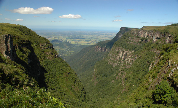 Cânion Itaimbezinho, no Parque Nacional de Aparados, Rio Grande do Sul.