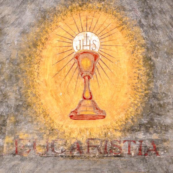 Os cristãos acreditam na presença real de Jesus Cristo logo após a consagração do pão e do vinho em sua carne e seu sangue.