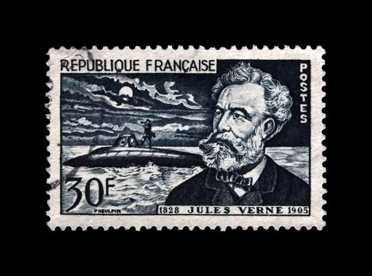 Selo postal francês, de 1955, em homenagem a Júlio Verne.
