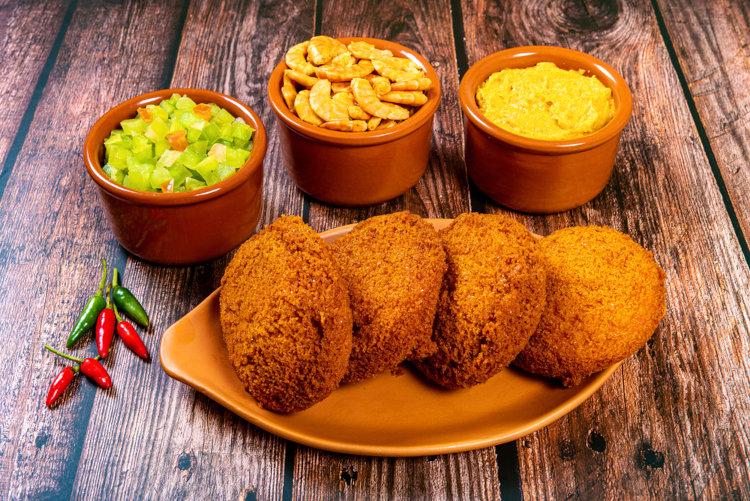 Acarajé, comida típica da Bahia.