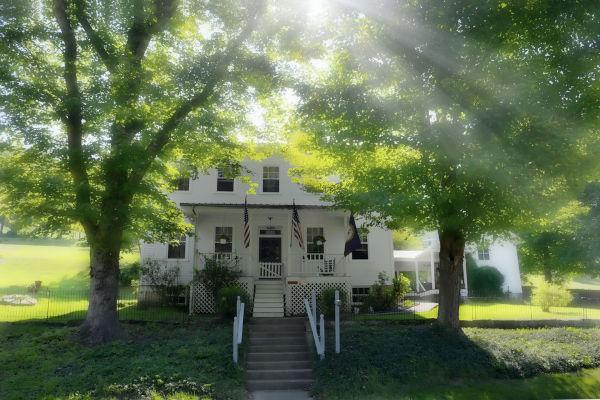 Casa que Anna Jarvis viveu em Grafton, Virgínia Ocidental. Essa cidade celebrou a primeira comemoração do Dia das Mães, em 1908.