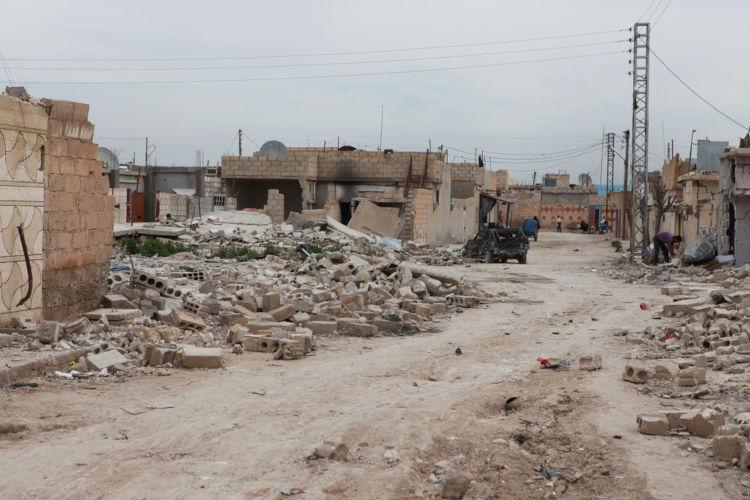 Destruição em Ras al-Ayn depois de ataques promovidos por tropas da Turquia.[2]