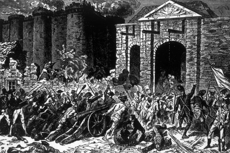 Populares invadiram a Bastilha em busca de armas para reagir às tropas do rei, que pretendiam reprimir as manifestações contra o Antigo Regime.