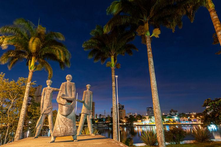 Monumento em Campina Grande, terra da maior festa de São João do mundo. [1]