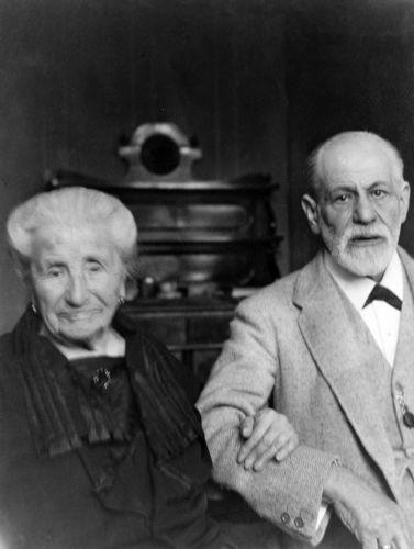 Sigmund Freud e sua mãe, Amalia Freud.