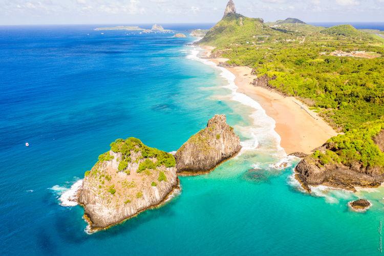 Vista do arquipélago de Fernando de Noronha, integrante do território pernambucano.