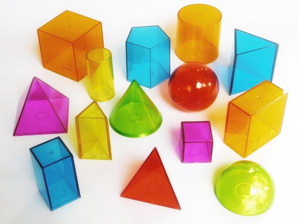 Utilizamos o princípio de Cavalieri para calcular o volume de sólidos geométricos.