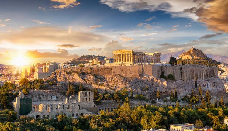 A cultura grega, baseada em cidades como Atenas (Grécia), foi uma das pioneiras na construção da história europeia.