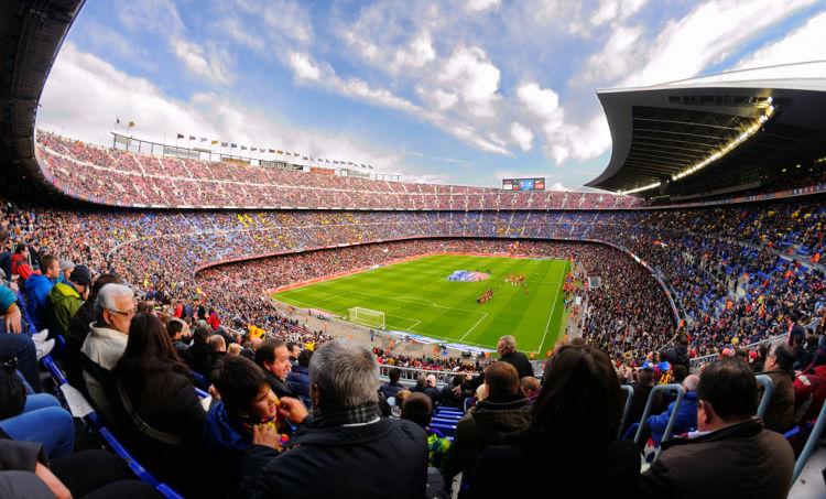 O futebol é o esporte mais popular na Europa, sendo muito apreciado pelos europeus em diversos estádios espalhados pelo continente. [1]
