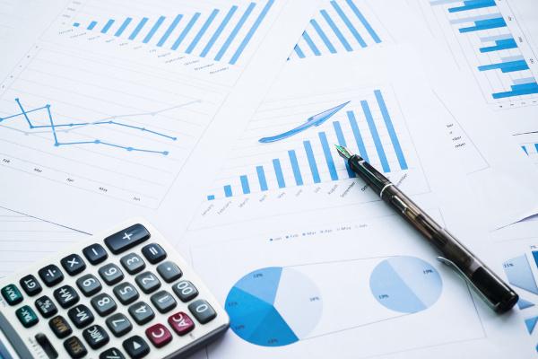 A estatística é a área da matemática que estuda a coleta, organização e análise de dados.
