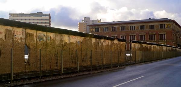 O Muro de Berlim foi construído pelos soviéticos em 1961 e se tornou o maior símbolo da Guerra Fria.
