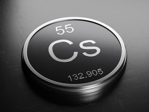 Símbolo e propriedades básicas do elemento césio.