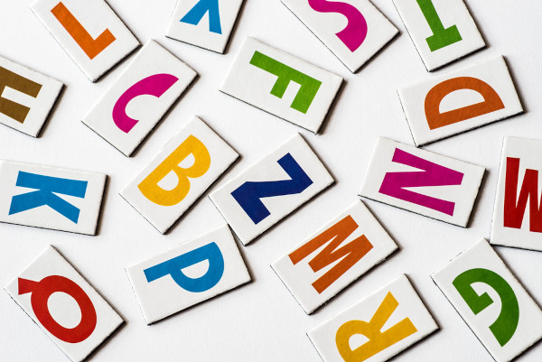 O uso de duas letras para representar graficamente um único fonema é chamado de dígrafo.
