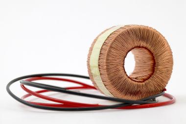 O toroide é formado por um solenoide curvado em forma de círculo fechado