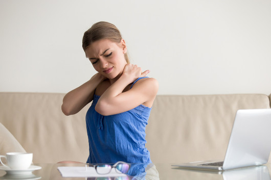 A fibromialgia provoca dores crônicas por todo o corpo do paciente