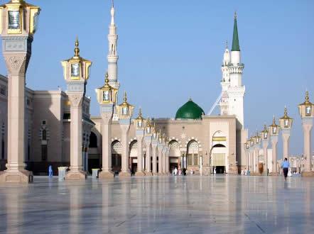 Suntuosidade da Mesquita do Profeta Al-Masjid al-Nabawi, em Medina, Arábia Saudita