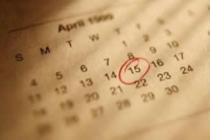 Ao adotar a tabelinha, é recomendável anotar o início de cada menstruação em um calendário