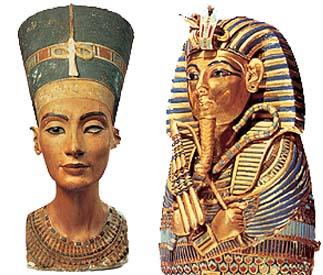 Esculturas em homenagem aos deuses do Egito.